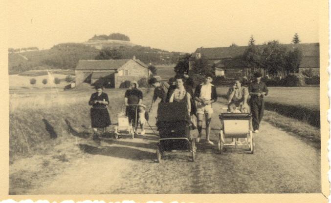 St Agrève_promenade en famille 1949_1950